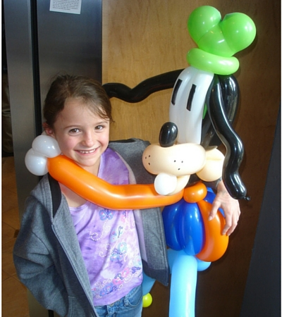 kids balloon twisting goofy